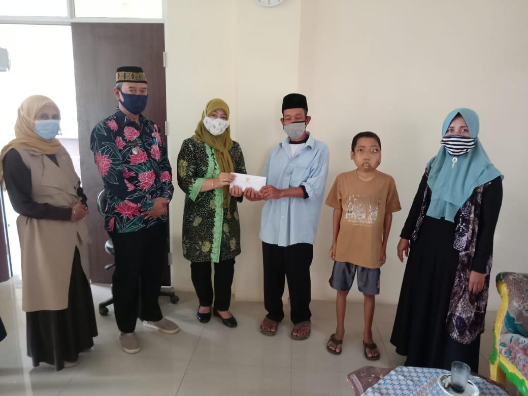 anak-penderita-kanker-getah-bening-terima-bantuan-pemerintah